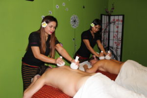Thajská bylinková masáž